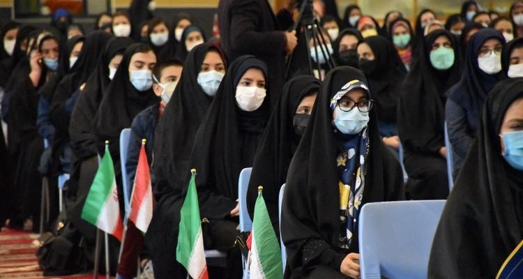 جشن تکلیف سیاسی دختران «رای اولی» در اردبیل+عکس