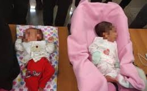 فروش نوزاد برای خرید پوتین گرانقیمت! +عکس